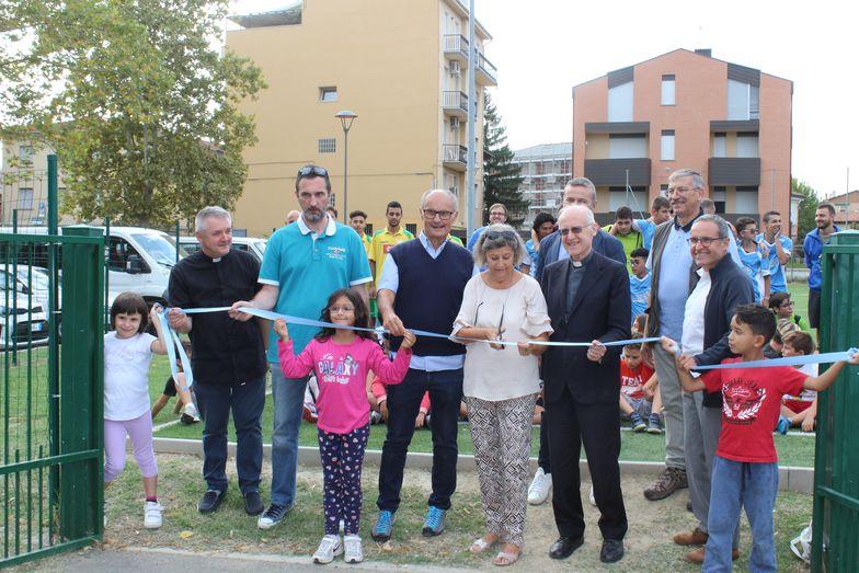 Inaugurazione Nuovo Campo da Calcio - taglio del nastro
